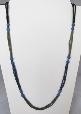 lapis lazuli en serpentijn collier